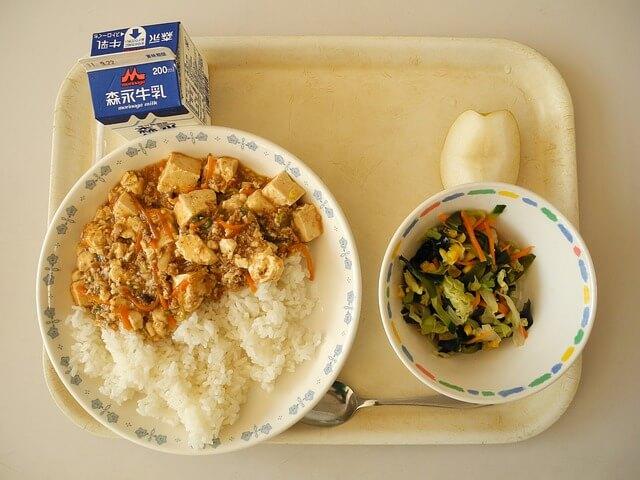 学校の給食