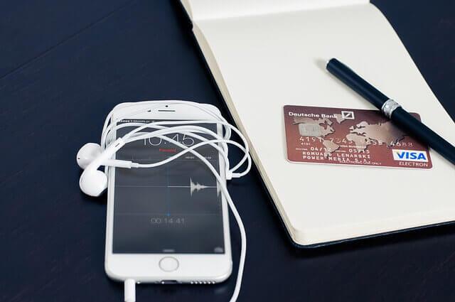 アイフォンとクレジットカード