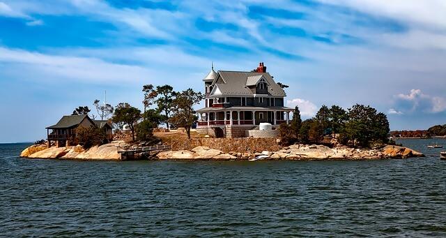 海に近い家