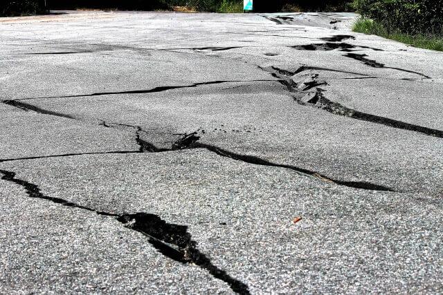 地震による道路の被害